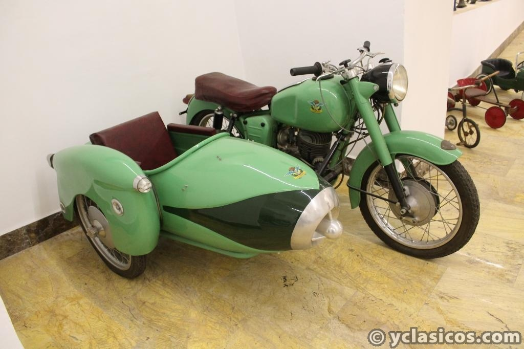 PANNONIA DELUXE 250 T1 SIDECAR 246CC 1960